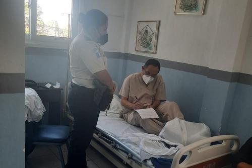 El rector se encuentra en un hospital de la zona 7. (Foto: cortesía)