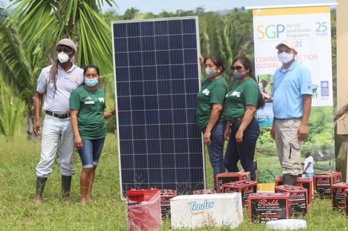 Las ingenieras han llevado energía a distintos rincones de su natal Belice. (Foto: Plenty Belize)