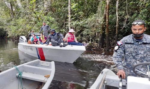 En el viaje de las ingenieras junto la Guardia Costera de Belice. (Foto: Government of Belize Press Office)