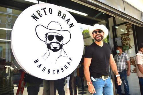 La Neto Bran Barber Shop es atendida por empleados originarios del municipio de Mixco. (Foto: Fredy Hernández/Soy502)
