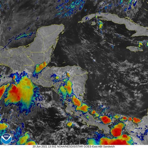 Imagen satelital de hoy donde se puede apreciar la humedad en el territorio guatemalteco. (Foto: Oficina Nacional de Administración Oceánica y Atmosférica es una agencia científica del Departamento de Comercio de los Estados Unidos, NOAA)