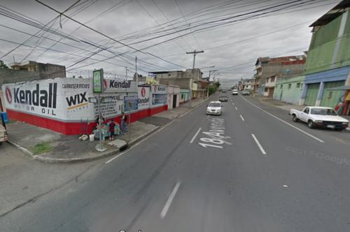 La mujer se ubica en la 18 avenida y 10a calle zona 13.  A este lugar puedes llevarle ayuda.