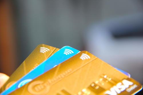 Las tarjetas con tecnología sin contacto también serán permitidas en este nuevo sistema de pago. (Foto: Fredy Hernández/Soy502)