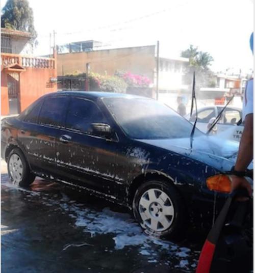 El vehículo fue robado el pasado 13 de mayo en la Colonia Toledo zona 11. (Foto: familia Guevara)