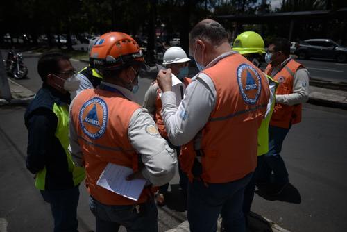 La Conred definirá las acciones a implementarse tras el surgimiento de las cavernas en el Periférico. (Foto: Wilder López/Soy502)