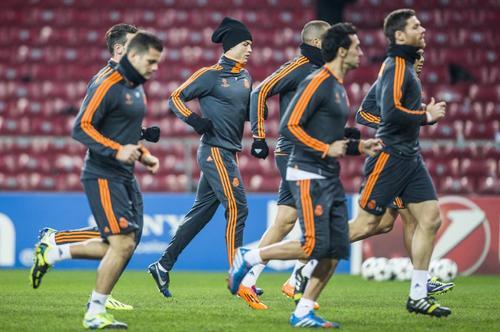 El Real Madrid entrenó en el estadio Parken de Copenhague