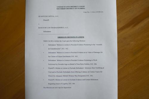En este documento, la jueza rechaza la solicitud de Bantrab de eliminar el documento incriminatorio. (Foto: Alejandro Balán/Soy502)