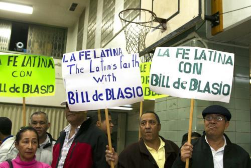 El voto de los hispanos fue importante para el triunfo de Bill de Blasio. (Miguel Rajmil/EFE)