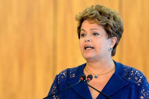 Dilma Rousseff busca dialogar y evitar protestas que puedan interrumpir el Mundial de Brasil 2014
