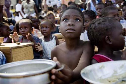 La salud, higiene, agua, vivienda, seguridad y alimentación, han sido grandes flagelos en Haití luego del terremoto