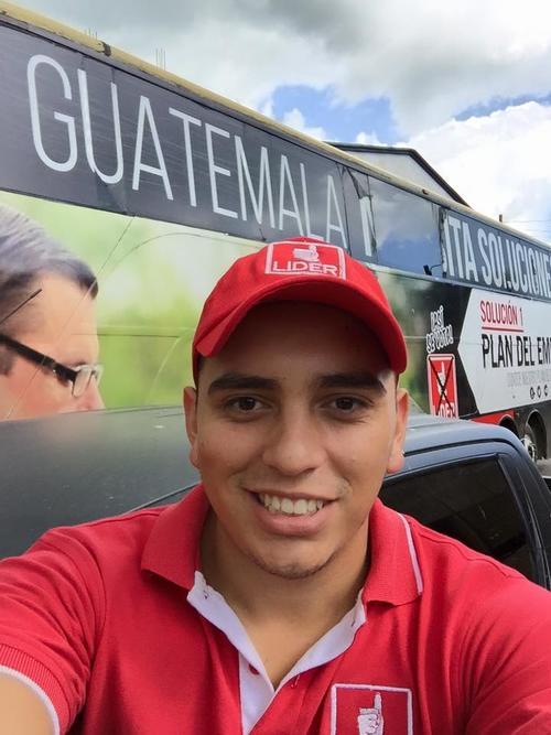 En poco más de 4 años, Juan Manuel Giordano ha pasado por 6 bancadas en el Congreso. (Foto: Facebook/Juan Manuel Giordano)