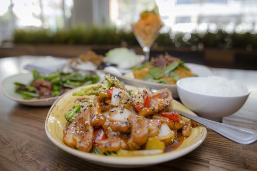 """""""Sesame Chicken"""", uno de los platillos preferidos. (Foto: George Rojas/Soy502)"""