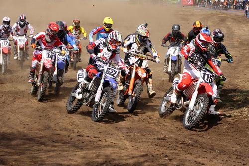Unos 150 pilotos en diversas categorías compitieron en el Campeonato Nacional de Motocross. (Foto: Arturo Ochoa/FNMG)