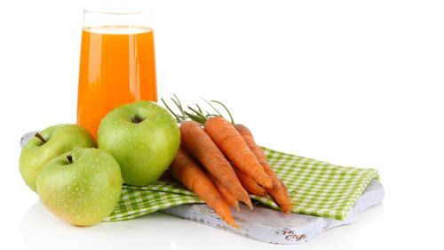 La manzana combinada con la zanahoria son beneficiosas para la piel, por lo que debes consumirlas con frecuencia. (Foto: la pescadería restaurant)
