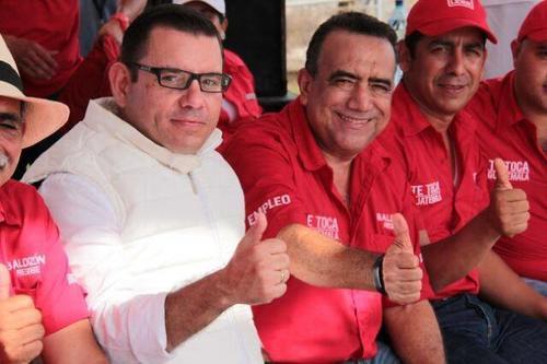 Martínez Lohayza con Manuel Baldizón