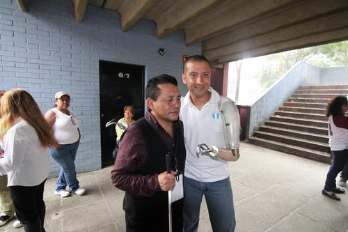 Raúl Pérez atleta paralimpico vota foto 01