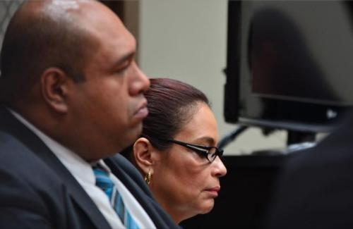 Durante las audiencias, Estrada permanece atento al cuidado y defensa de Baldetti. (Foto: Archivo/Soy502)