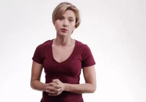 Scarlett Johansson también fue parte de la campaña publicitaria. (Imagen: Captura de pantalla)