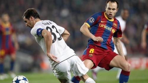 Darijo Srna, en acción contra el Barcelona en la temporada 2010-2011. (Foto: Sport)
