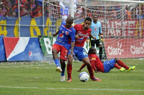 Municipal pierde en casa frente a Xelajú, Clausura 2014, Guatemala, Liga Nacional Clausura 2014
