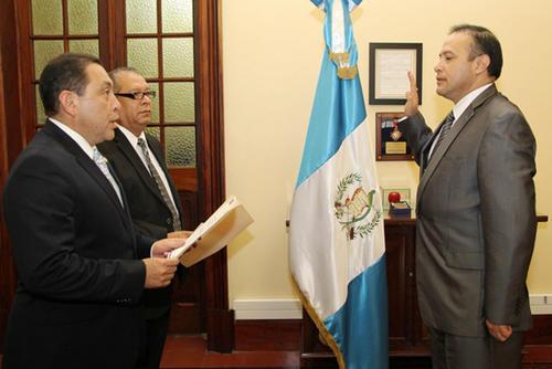 Manfredo Vinicio Pacheco Consuegra fue arrestado por aprobar de forma anómala contratos de alquiler de vehículos blindados. (Foto: Gobierno)
