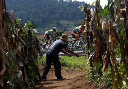 Alguna de las postales que dejó la edición 55 de la Vuelta a Guatemala. (Foto: Archivo/Diego Galiano/Nuestro Diario)