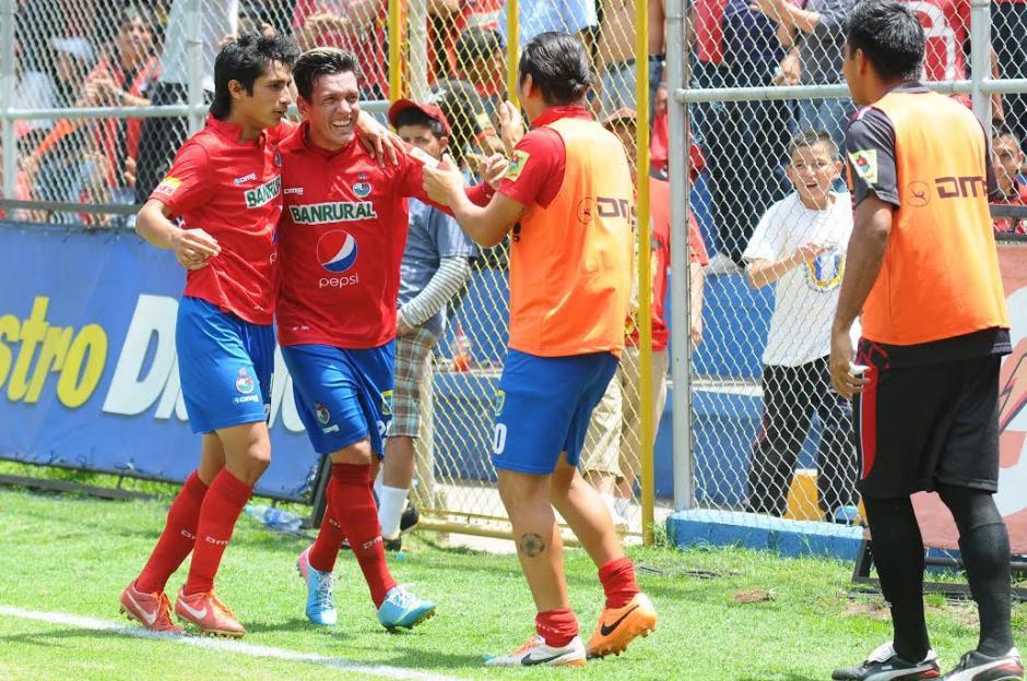 """Mario """"el Loco"""" Rodríguez anotó su gol 100 vistiendo la camisola de Municipal. (Foto: Sergio Muñoz/Nuestro Diario)"""