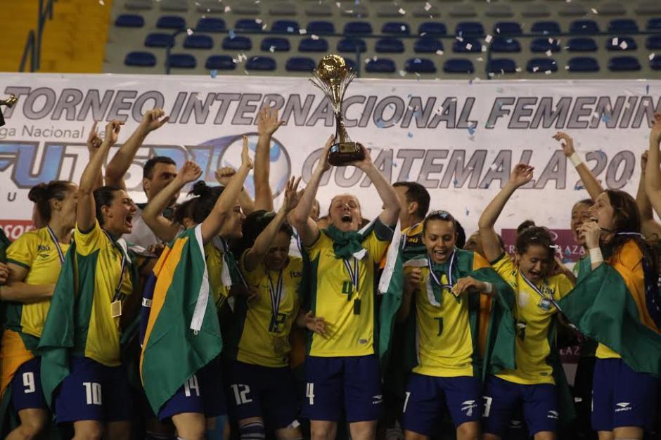 Brasil hexacampeón femenino de futsal