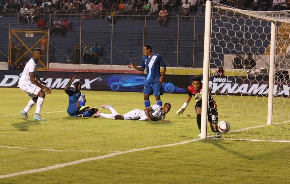 Honduras no pudo frente a Guatemala en Tegucigalpa.(Foto: Orlando Chile/ Nuestro Diario)
