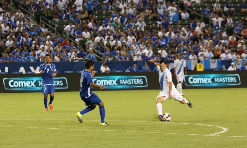 El momento de remate de Marco Pablo Pappa para el gol de Guatemala. (Foto: Fedefutbol)
