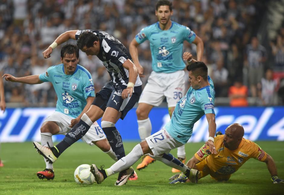 Monterrey se coronaba campeón, y a falta de segundos para terminar el tiempo de reposición, el Pachuca sentenció. (Foto: EFE)