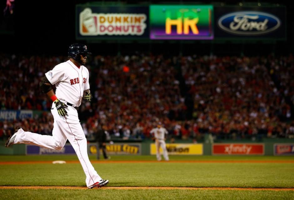 David Ortíz fue el héroe de la noche para los Medias Rojas de Boston. (AFP)