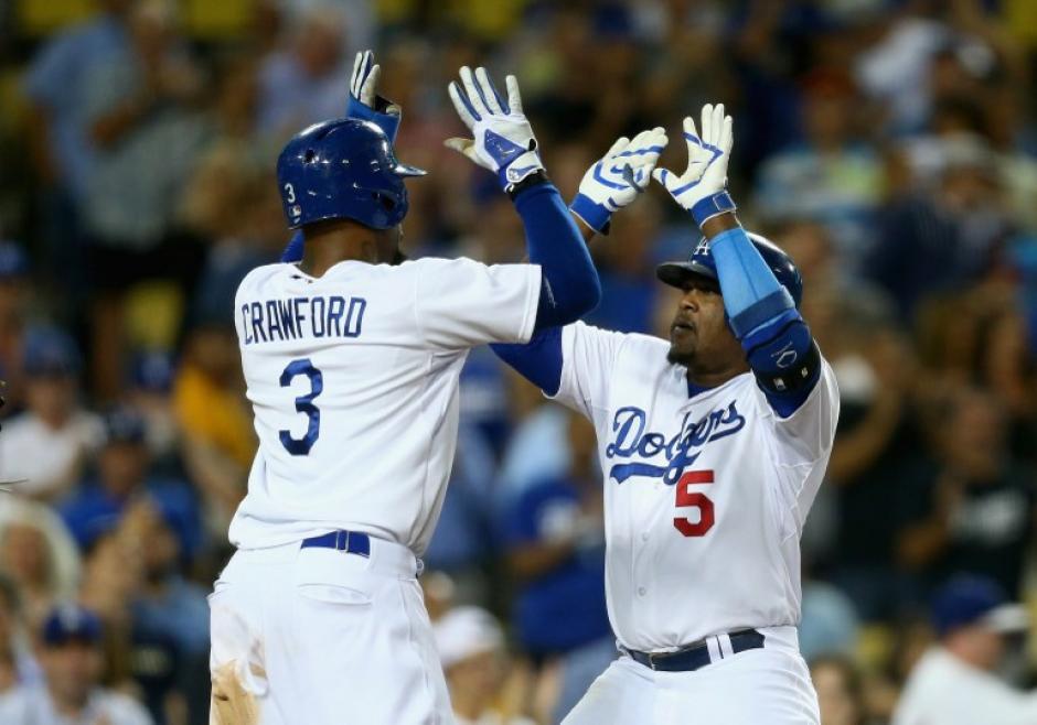 Los Dodgers derrotaron 5-2 a los Cachorros, el relevo J. P. Howell se quedó con la victoria