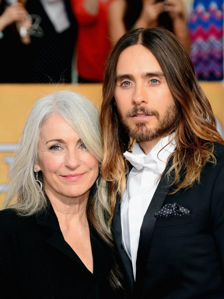 Jared Leto posa junto a su madre Constance. El actor ha sorpendido a Hollywood con su papel en Dallas Buyers Club. (AFP)