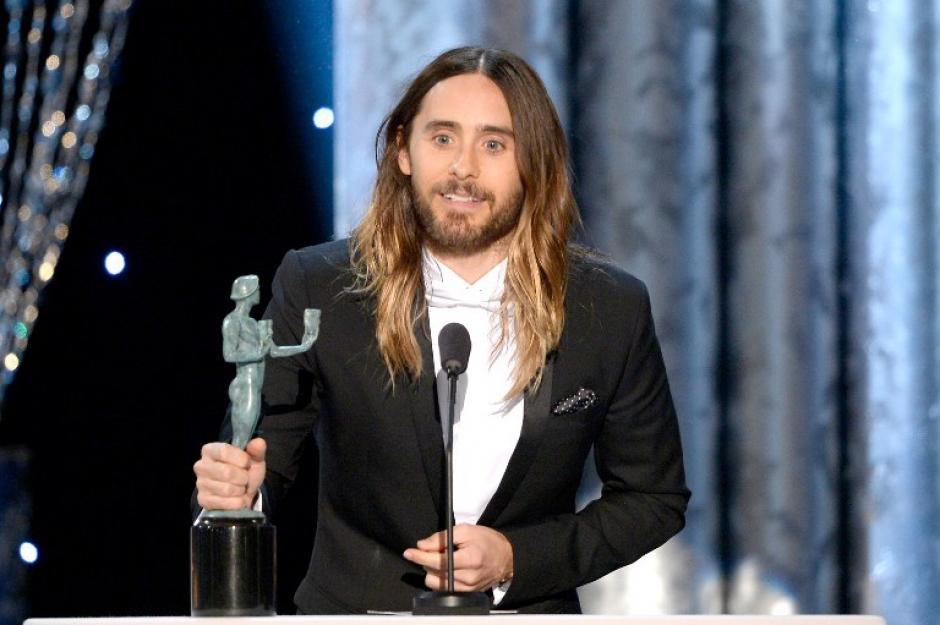 """Jared Leto se llevó el premio por su papel como un transexual con SIDA en la cinta """"Dallas Buyers Club"""". (AFP)"""