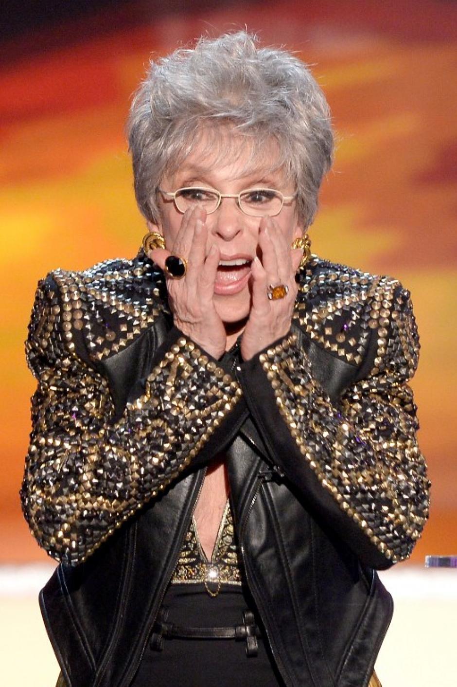 Rita Moreno fue reconocida por su trayectora a los 82 años. Tal fue su emoción que soltó una grosería frente a las cámaras. (AFP)