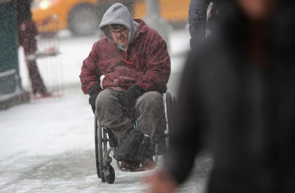 Los ciudadanos estadounidenses han sufrido uno de los peores inviernos en años. (AFP)
