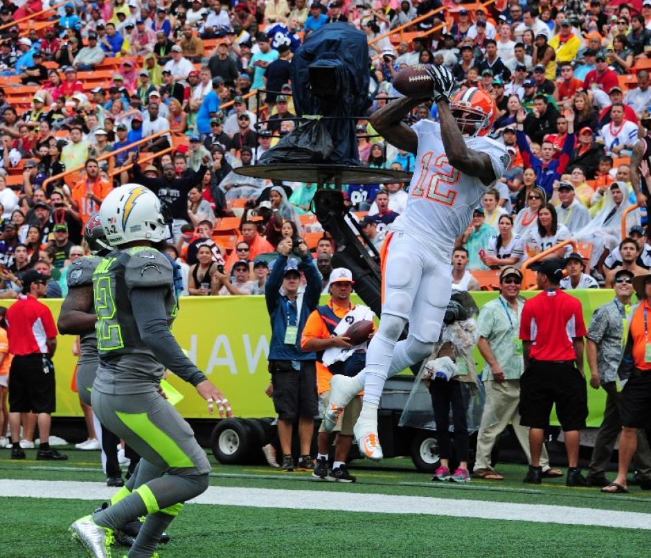 Josh Gordon de los Browns de Cleveland, intercepta un envío a favor de los Rice. (Foto: Scott Cunningham/AFP)