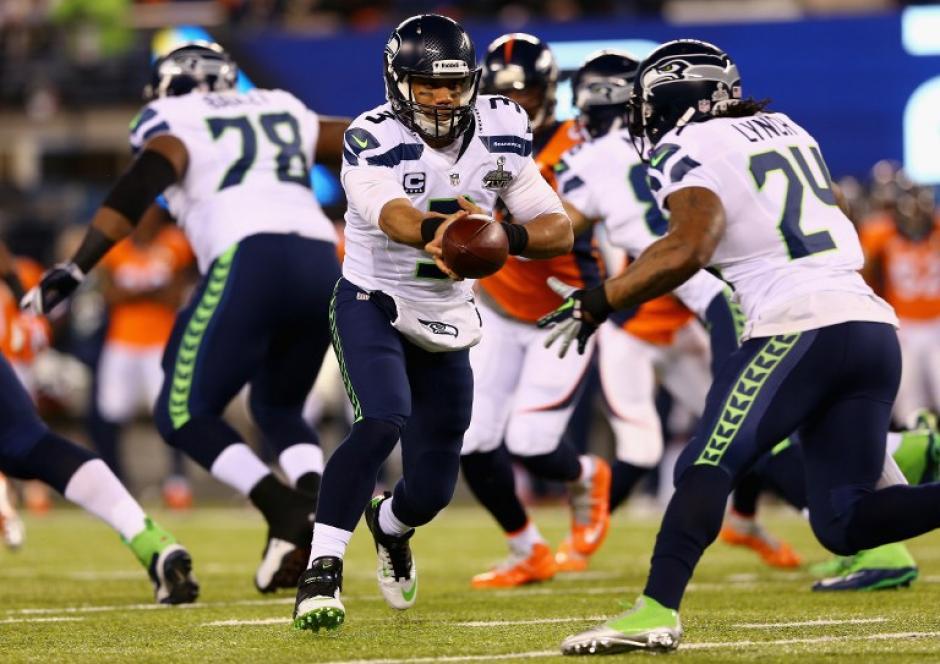 Gran nivel mostró Seattle en los primeros dos cuartos de juego. (Foto: AFP)