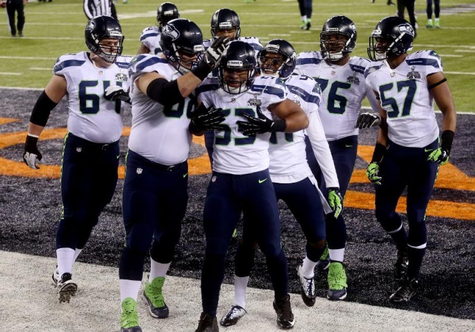 Malcolm Smith fue designado el Jugador Más Valioso del Super Bowl XLVIII de la NFL. (AFP)
