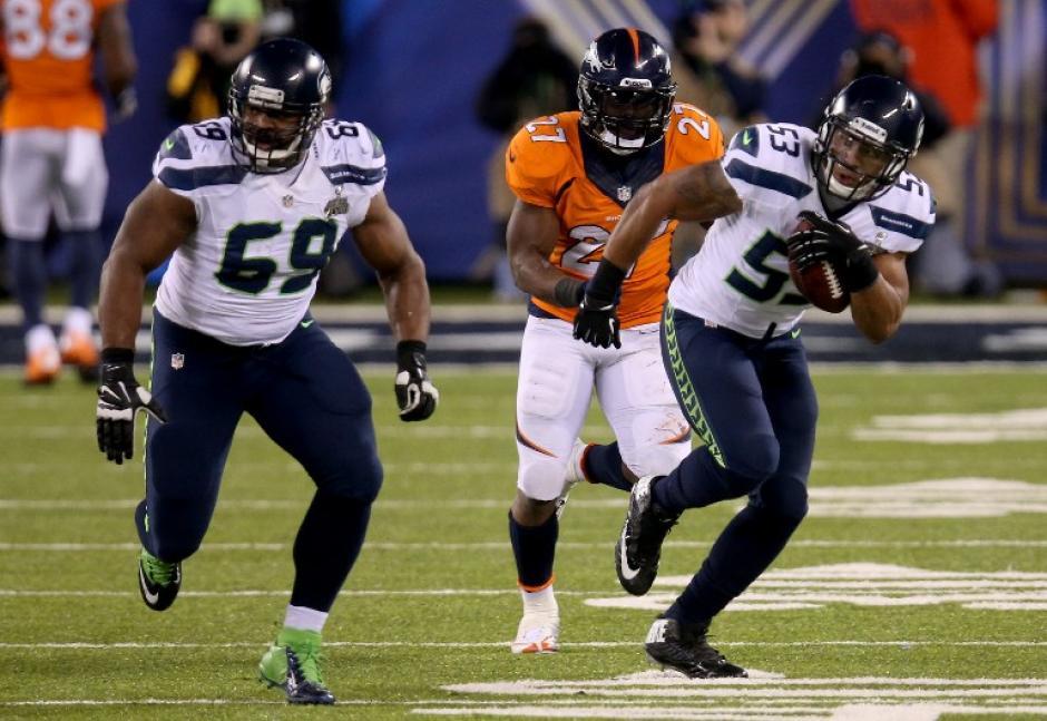 Malcolm Smith fue desequilibrante para Seattle y no tuvo piedad con Denver. (AFP)