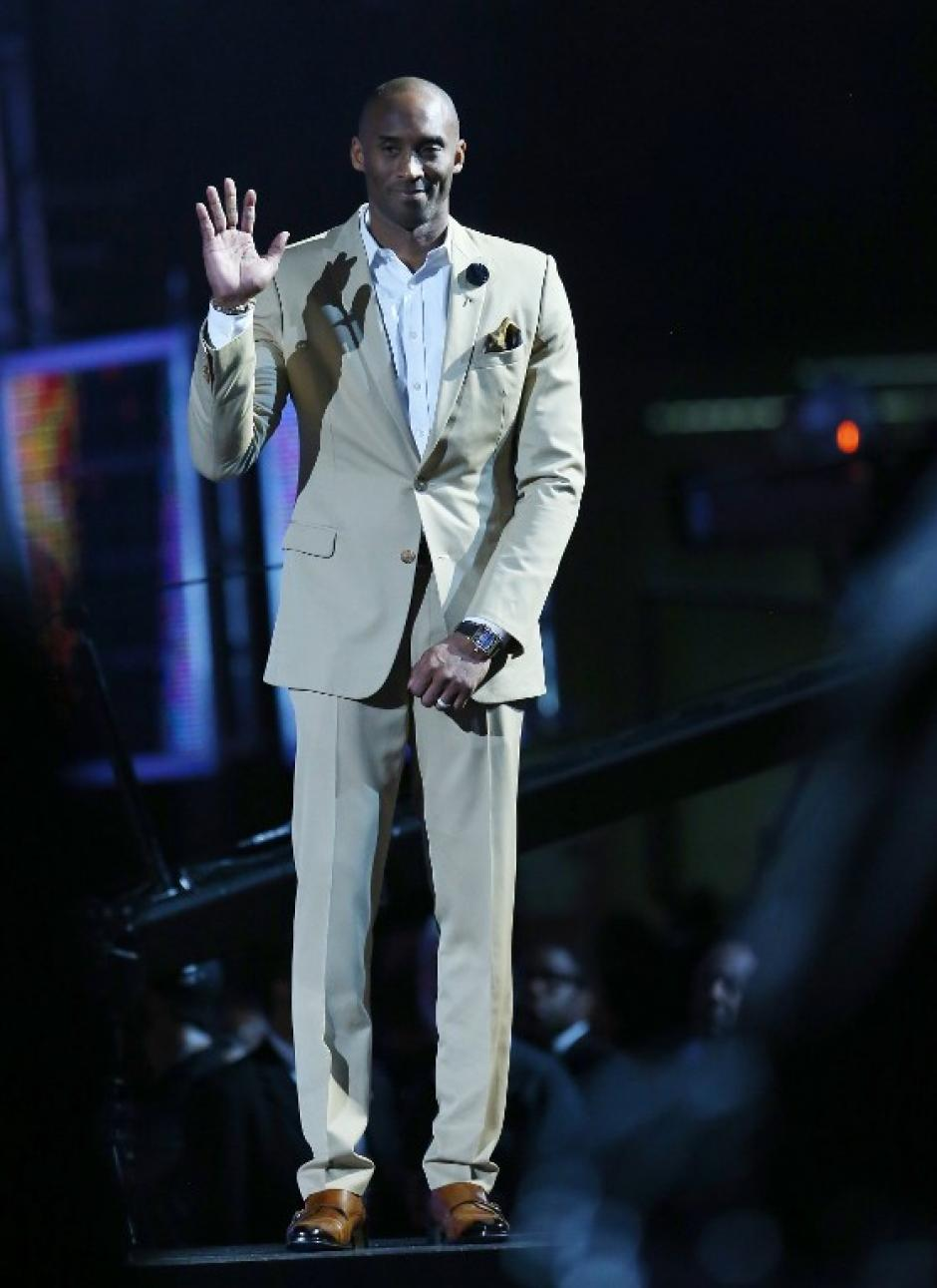 Kobe Bryant fue seleccionado a su Juego de Estrellas número 16 pero por lesión no pudo jugarlo. (AFP)