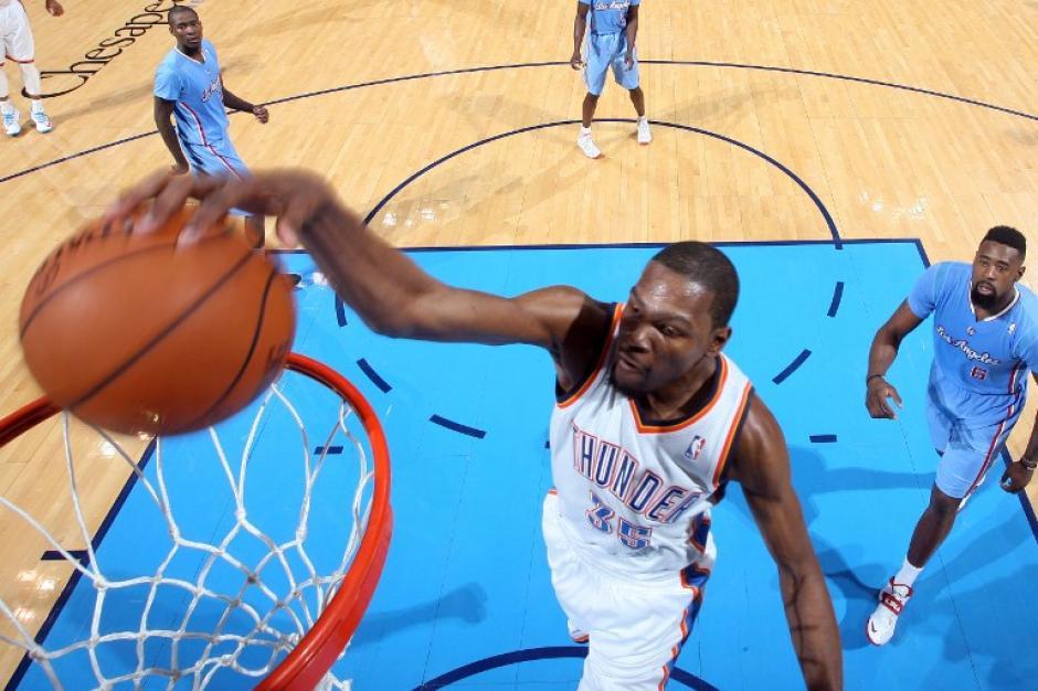 Kevin Durant  anotó 42 puntos en el juego entre los Thunder y los Clippers, aún así su equipo cayó ante los de Los Ángeles