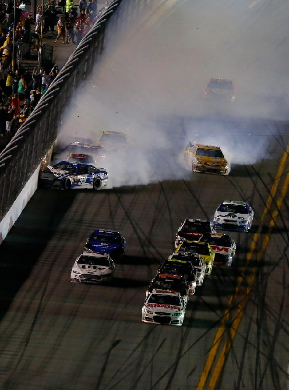Los accidentes estuvieron presentes en la Daytona 500 edición 2014. (Foto: AFP)