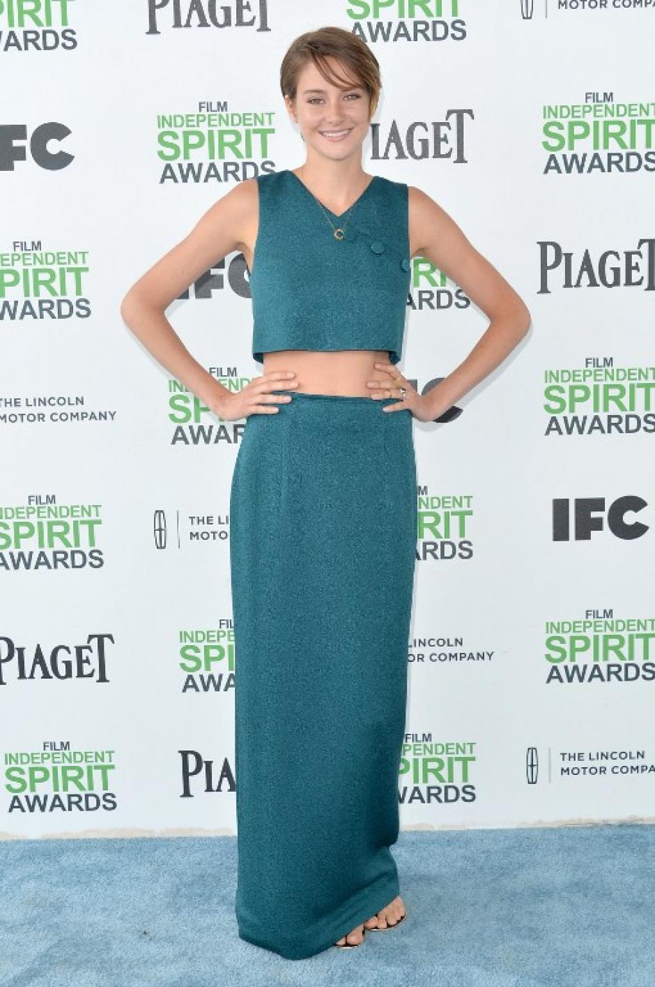 Shailene Woodley una de las nominadas escogió este vestido de corte juvenil. (Foto: AFP)