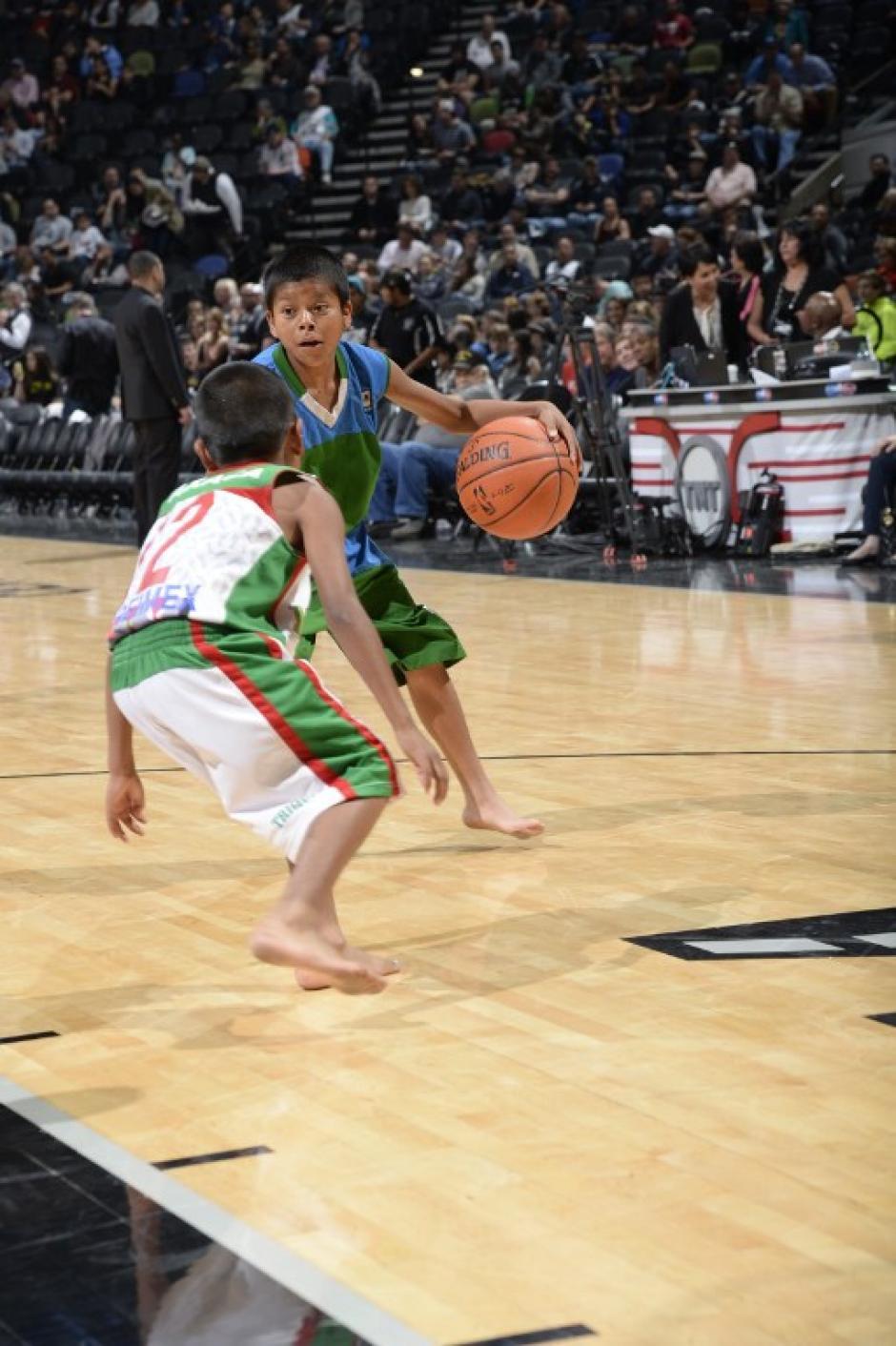 Los niños se hicieron famosos el año pasado por ganar un campeonato internacional en Argentina jugando descalzos. (Foto: AFP)