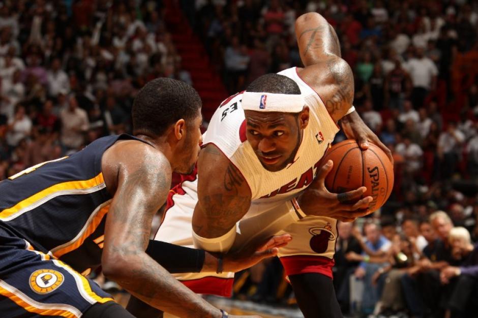 LeBron James es la principal estrella de los Heat de Miami. (Foto: AFP)