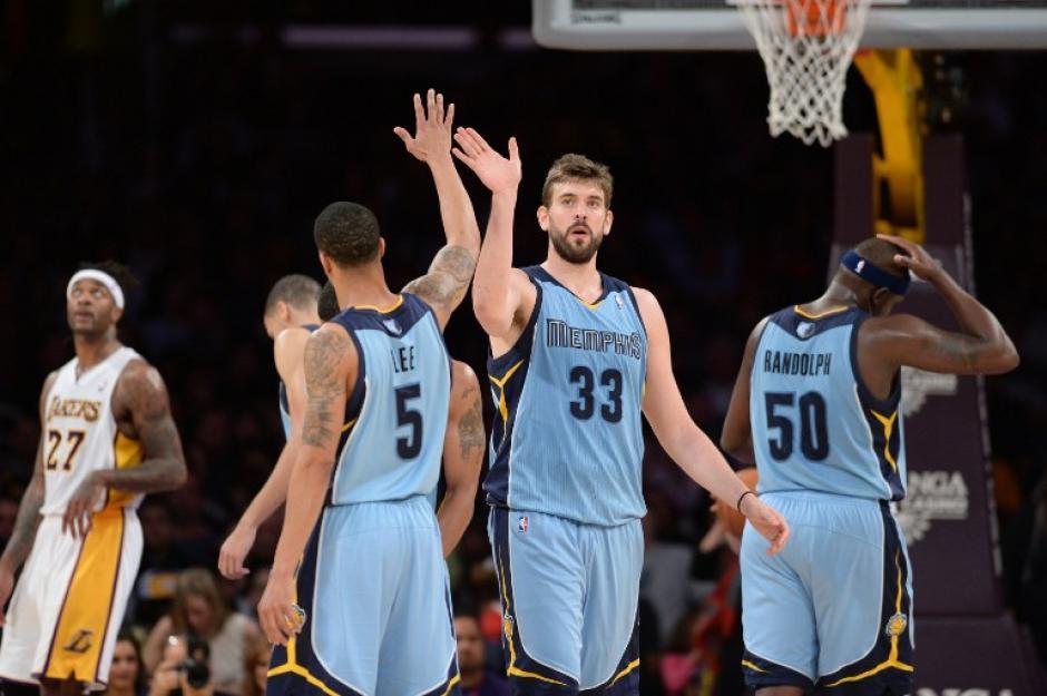 Los Lakers siguen con una pésima temporada y en esta ocasión perdieron por 90-102 ante los Grizzlies de Memphis. (Foto: AFP)