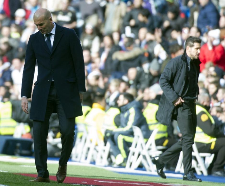 Zinedine Zidane no obtuvo el apoyo de sus jugadores estelares para tener un buen partido. (Foto: AFP)