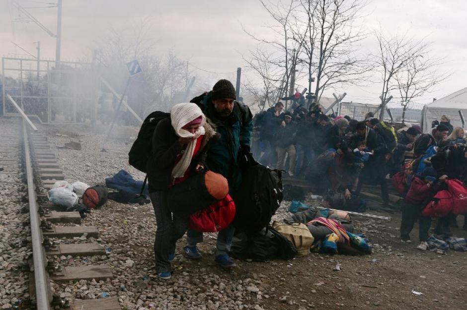 Varias personas requirieron atención médica, la mayoría niños. (Foto: AFP)